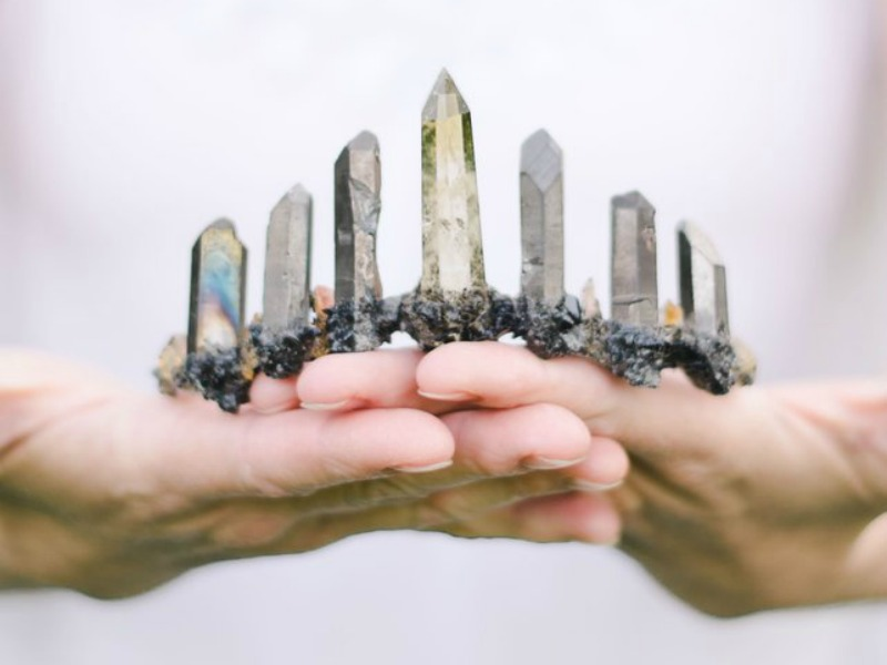 5 Crystals That Can Help Manifest a Better Year