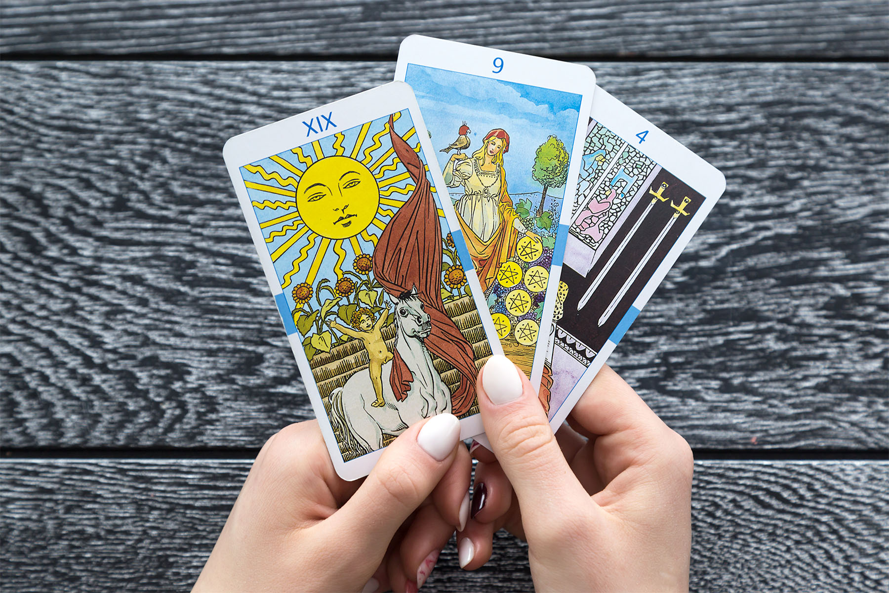 How to Pick a Tarot Deck: Where to Buy and More