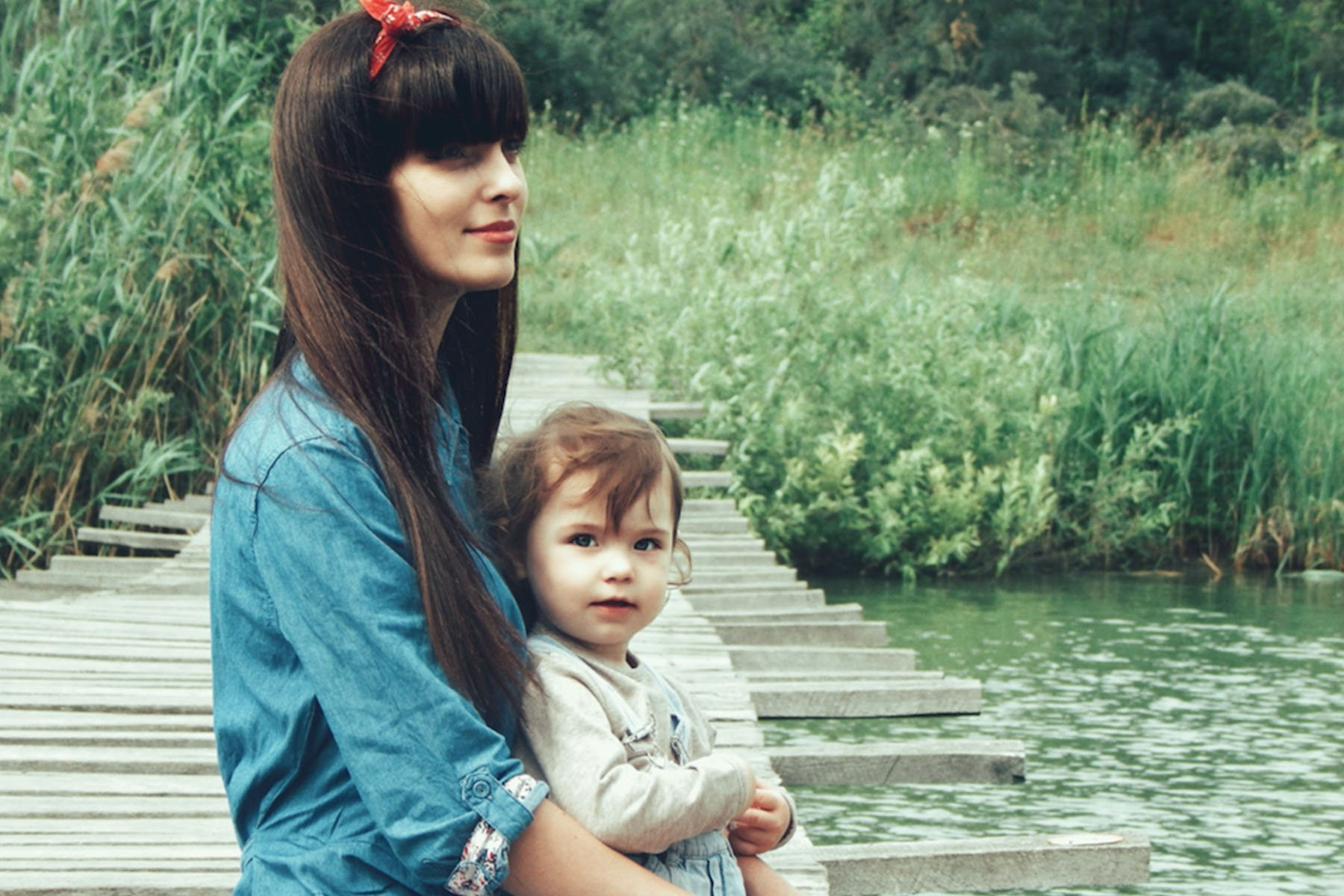 What It's Like Growing Up With an Astrologer Mom